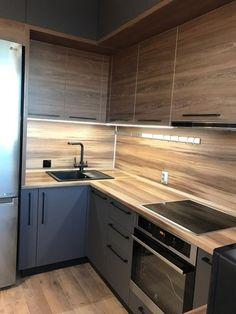 Grey Kitchen Interior, Small Apartment Interior, Modern Kitchen Interiors, Kitchen Room Design, Kitchen Cabinet Design, Modern Kitchen Design, Kitchen Layout, Home Decor Kitchen, Small Modern Kitchens