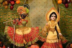 Radha Krishna Images, Krishna Art, Lord Krishna, Shree Krishna, Radhe Krishna, Laddu Gopal Dresses, Krishna Janmashtami, Radha Rani, Deities