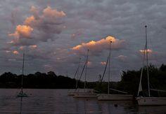 Matelas nuageux (frederic guerineau) by Frederic Guerineau, via Flickr