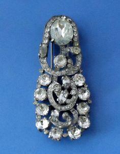 Large signed EISENBERG ORIGINAL Vintage 40s Rhinestone Dress/Fur Clip Brooch Pin.