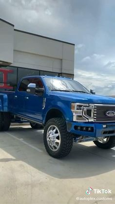 Blue Ford Truck Built Different Powerstroke Diesel, Ford Classic Cars, Best Luxury Cars, Ford Raptor, Twin Turbo, Diesel Engine, Old School, Monster Trucks, Building