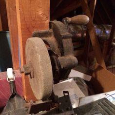 Hand crank grinder