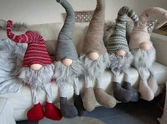 Christmas Gnome, Christmas Projects, Winter Christmas, Felt Crafts, Holiday Crafts, Crochet Crafts, Navidad Diy, Christmas Decorations, Christmas Ornaments