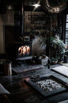 Witch Home Interior Decorating Ideas_25 Witch Cottage, Witch House, Japanese Interior Design, Japan Interior, Interior Office, Kitchen Interior, Goth Home, Dark Interiors, Gothic Home Decor