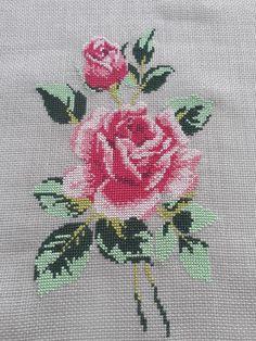 Ethnic Bag, Simple Cross Stitch, Cross Stitch Patterns, Diy And Crafts, Embroidery, Cross Stitch Rose, Cross Stitch Flowers, Cross Stitch Embroidery, Towels