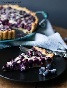 Finnish blueberry cake- Finnischer Blaubeerkuchen Finnish blueberry cake, a cla. - Finnish blueberry cake- Finnischer Blaubeerkuchen Finnish blueberry cake, a classic among the … - Healthy Dessert Recipes, Smoothie Recipes, Cake Recipes, Punch Recipes, Bread Recipes, Food Cakes, Dessert Parfait, Blueberry Cake, Pumpkin Spice Cupcakes