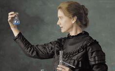 En 1914, cuando estalla la Gran Guerra, Marie Curie es una reconocida…