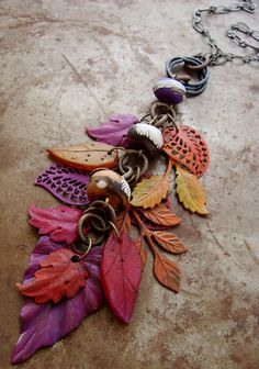 Vintaj Patinas on metal leaves.  There is some polymer clay leaves mixed in.  Love these colors. #wire #jewellry #tutorial