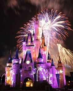 Click to read the Best Places to Watch the Walt Disney World Fireworks!