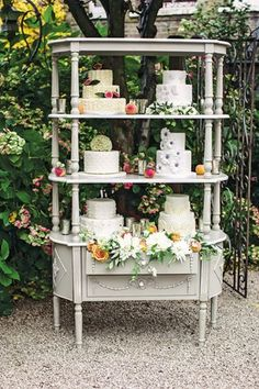 Country Chic Cake Display
