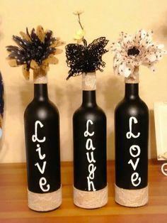 Diy bottle crafts - crafts and diy ideas diy wine bottles Old Wine Bottles, Wine Bottle Art, Glass Bottle Crafts, Painted Wine Bottles, Diy Bottle, Decorated Bottles, Glass Bottles, Wine Glass, Wine Corks