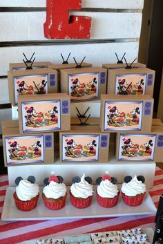 Mickey Mouse / Minnie Mouse Birthday Party Ideas | Photo 19 of 47