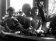Imogen Cunningham - Boys with Cut Flowers, 1919