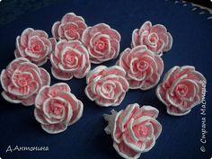 Здравствуйте гости и жители Страны Мастеров! Сегодня у меня мастер-класс по изготовлению розы из обычных бумажных салфеток. Вдохновителем и подачи идеи является Olqa V. Ссылка здесь  http://stranamasterov.ru/node/153093?c=favorite   фото 1