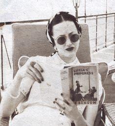 Wallis Simpson. @Deidra Brocké Wallace uber stylish woman and the book is a fantastic read too!