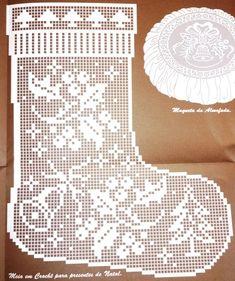 Ideas Knitting Charts Patterns Christmas Stockings For 2019 Filet Crochet Charts, Crochet Motifs, Crochet Diagram, Knitting Charts, Thread Crochet, Crochet Doilies, Crochet Patterns, Crochet Christmas Ornaments, Holiday Crochet