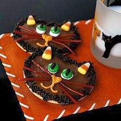 Cat's Meow Cookies for Halloween ~ wicked good treats for Halloween!