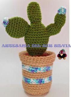 Cactus ideal para decorar a crochet.  Ni pincha ni necesita regarlo.