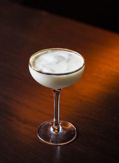 Golden Cadillac cocktail recipe: A light 1970s cream cocktail. | Photo: Daniel Krieger