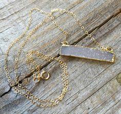 White Druzy Bar Necklace / Druzy Agate Geode pendant by JewelryVV Geode Necklace, Bar Necklace, Arrow Necklace, Pendant Necklace, Agate Geode, Chic, Gold, Jewelry, Shabby Chic