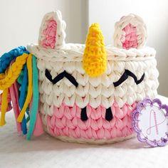 Crochet Mug Cozy, Crochet Bowl, Crochet Basket Pattern, Knit Basket, Crochet Gifts, Crochet Yarn, Crochet Flowers, Crochet Patterns, Yarn Projects