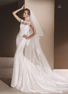 2018 and 2017 wedding dress pre-collection. La Sposa Wedding Dresses, Lace Wedding Dress, Lace Dress, Bridal Outfits, Bridal Dresses, Pronovias, Satin Dresses, A Boutique, Marie