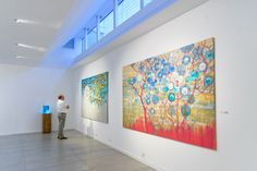 """Exposición: Caos Sensible Artista: Limber Vilorio Obra a la derecha : """"Génesis no. 1"""" y próximo a :""""Génesis no. 2"""""""