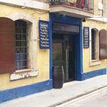 Maians - Carrer Sant Carles 32, Barceloneta (Barcelona) 932211020. Paella, tapas, arroz negro, cazón en adobo...