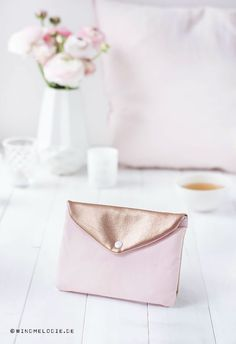 ... DIY mini-clutch with rosegold / cooper and pink sewing tutorial ...