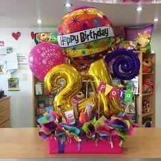 Informamos que: A partir de este Lunes 23/10/17 estaremos cerrados (solo por unos días) ☺️ . . Las personas CON encargos pautados anteriormente para esta semana, serán atendidas para retirar sus pedidos, no se asusten o preocupen  . . Estaremos recibiendo pedidos para la próxima semana, es decir: Lunes 30/10/17 ✔️ Balloon Box, Balloon Gift, Balloon Bouquet, Big Paper Flowers, How To Wrap Flowers, Candy Bouquet Diy, Diy Bouquet, Balloon Centerpieces, Balloon Decorations