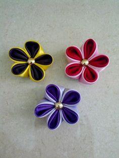 Kanzashi flowers brooch Kanzashi Flowers, Napkin Rings, Brooch, Decor, Decoration, Brooches, Decorating, Napkin Holders, Deco