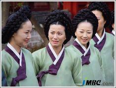 Dae Jang Geum, Lee Young, Film Movie, Movies, Korean Traditional, Korean Dramas, Palaces, Kdrama, Presidents