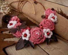 Купить Колье Полет стрекозы - розовый, красный, белый, текстильное колье, розы, стрекоза, хлопок
