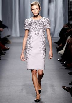 Chanel-Spring2011Couture-04_101712461537-103593