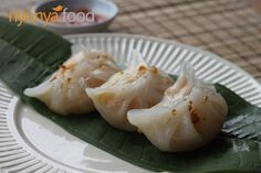 Chai Kueh (Vegetable Dumplings) is a typical Chinese snack. Stir fried jicama (yam bean) is wrapped in the crystal like skin. The soft chewy skin blended together with the slightly crunchy vegetables makes it a simply irresistible snack at any time of the day. #dumpling #vegetable #snack #chinese