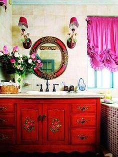 Gorgeous French Country Home decor Looks French Country Furniture, French Country House, French Country Decorating, Bohemian Interior, Home Interior, Modern Interior, Bathroom Red, Boho Bathroom, Glamorous Bathroom