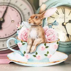 Shabbilicious Sunday with Vibeke Design - Shabby Art Boutique Junk Chic Cottage, Retro Crafts, Making Fabric Flowers, Vibeke Design, Diy Arts And Crafts, Paper Crafts, Diy Crafts, Hand Painted Fabric, Vintage Easter