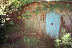 hobbit homes | Hobbit Hole: Hobbit house entrance - I want to sit there with a pipe ...