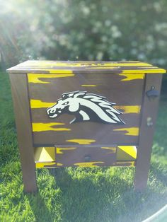 WMU Broncos wood cooler Wood Cooler, Diy Cooler, Broncos, Small Towns, Etsy Seller, Create, Unique
