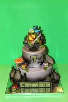 Torta delle Tartarughe Ninja con decorazioni in pasta di zucchero n.12