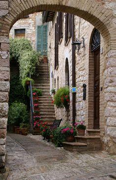 Spello Italy <3