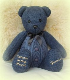 Made from a cardigan, this Remembrance Bear has been created in loving memory of. Made from a cardigan, this Remembrance Bear has been created in loving memory of a dearly loved Grandad. Quilting Projects, Sewing Projects, Quilting Ideas, Diy Quilting, Teddy Bear Sewing Pattern, Memory Pillows, Memory Quilts, Memory Pillow From Shirt, Memory Crafts