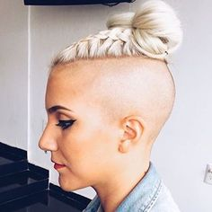 This is the BEST collection of mens undercuts EVER! Shaved Side Hairstyles, Undercut Hairstyles, Braided Hairstyles, Cool Hairstyles, Braids With Shaved Sides, Half Shaved Hair, Shaved Undercut, Buzzed Hair, Great Hair
