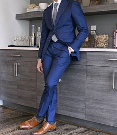 Wedding Suits Tailor Made Navy Blue Groom Tuxedos 2 Piece Mens Wedding Prom Party Suits Bridegroom Groomsman Suit Best Man Attire Jacket Pants Blue Suit Brown Shoes, Blue Suit Men, Navy Blue Suit, Blue Suits, Mens Fashion Suits, Mens Suits, Men's Fashion, Street Fashion, Fashion Ideas