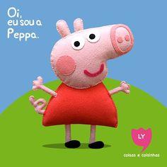 Peppa Pig tem 6 anos adora brincar de se fantasiar e passar o dia saltando entre as poças de lama ao redor de sua casa. Suas aventuras sempre terminam com muitas gargalhadas. #peppapig #party #cute #lycoisasecoisinhas