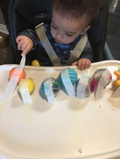 Here are simple activities for babies you can easily create at home. From sensory bags to baby sticky walls, there are tons of ideas here for your baby. Baby Learning Activities, Montessori Activities, Creative Activities, Infant Activities, 15 Month Old Activities, Young Toddler Activities, Best Toddler Toys, Toddler Fun, Baby Sensory Play
