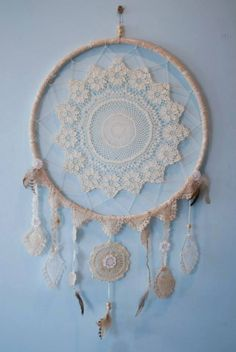 24 Creative Picture of Crochet Dreamcatchers How To Make . Crochet Dreamcatchers How To Make 15 Crochet Dream Catcher Ideas Pretty Designs Dream Catcher Mandala, Lace Dream Catchers, Crochet Dreamcatcher Pattern, Los Dreamcatchers, Diy And Crafts, Arts And Crafts, Creation Deco, Pretty Designs, Doilies