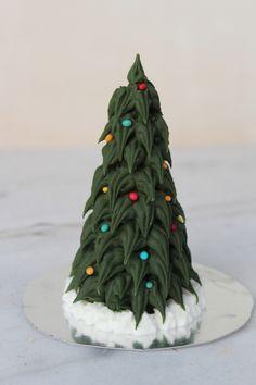 Πώς να φτιάξουμε χριστουγεννιάτικο δεντράκι με χωνάκι παγωτού