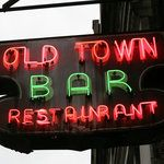 How to Drink at Manhattan's 10 Oldest Bars In A Day