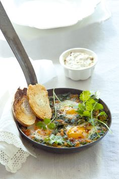Soft eggs with spinach and dukkah
